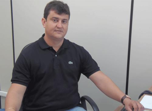 Vereador Castilho Viana verifica andamento de ação movida pelos moradores da Vila