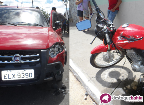 Colisão envolvendo carro e moto no centro da cidade