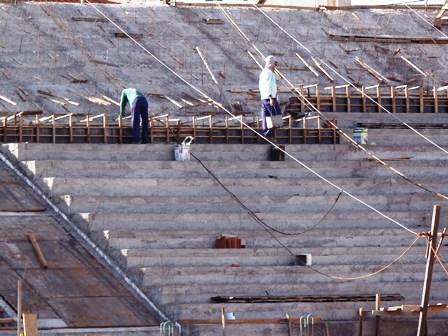 Estádio dos Prazeres arquibancadas começam a ganhar forma