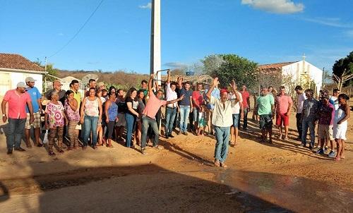 Gil Rocha entrega mais um Sistema Simplificado de Abastecimento de Água em Guajeru