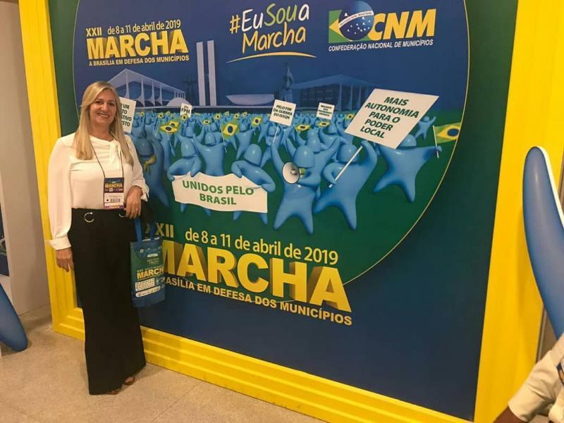 Prefeita de Malhada de Pedras participa da XXII Marcha em Defesa dos Município realizada em Brasília
