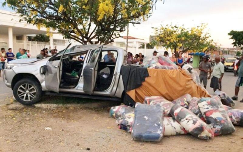 Após perseguição policial e capotamento, dois suspeitos de roubo de carga morrem em confronto com PMs na Bahia
