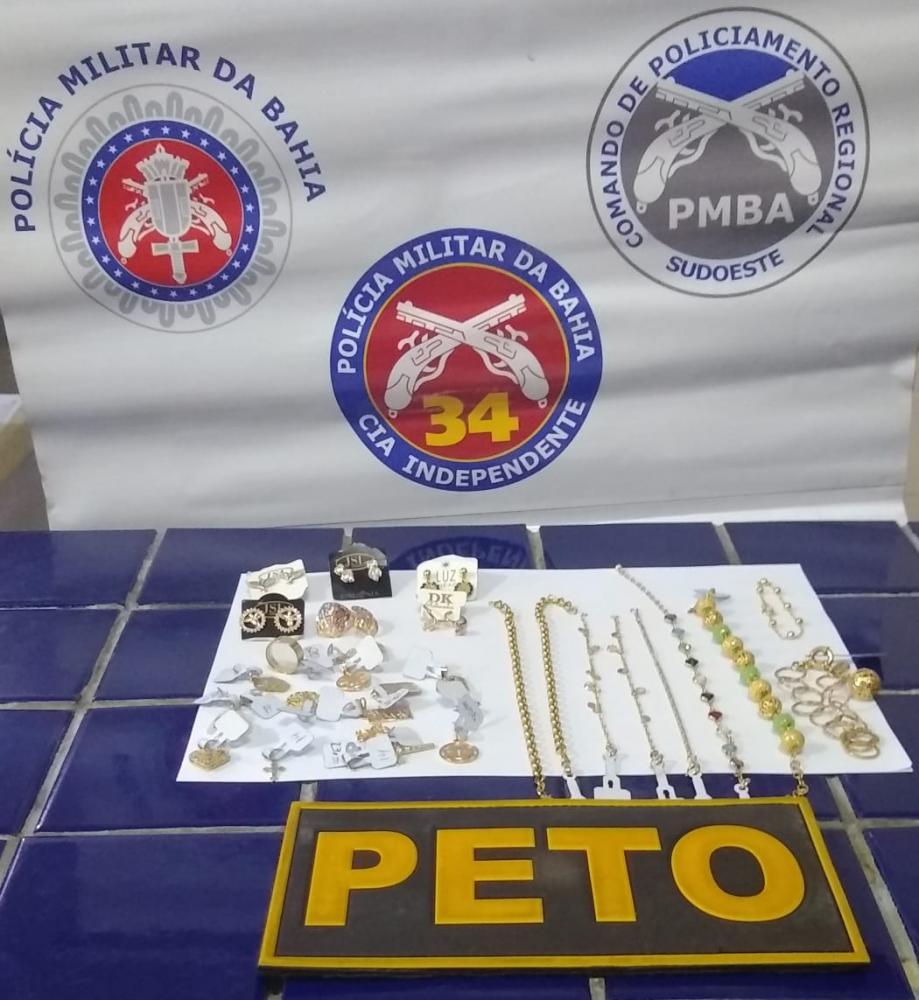 Brumado: Homem se apresenta como oficial do Exército e é detido com joias supostamente roubadas