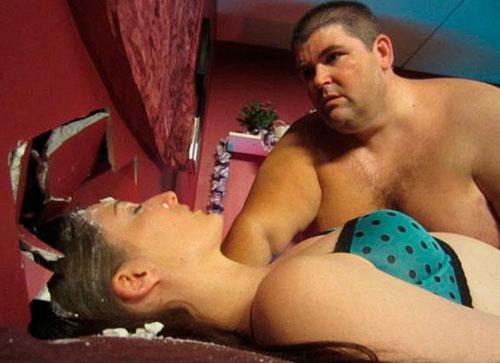 Ator emagrece mais de 100 quilos depois de esmagar namorada durante primeira relação sexual