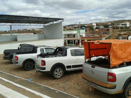 Carros são apreendidos na zona rural, entre Anagé e Tanhaçu