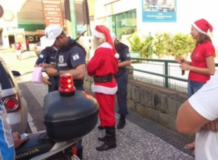 Santa Catarina: Papai Noel é multado; 'Indignado', prefeito pede desculpas no Facebook
