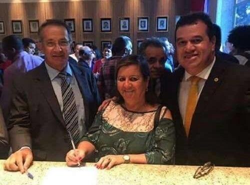Aracatu: prefeita assina convênio para construção do sistema de água da Baraúnas