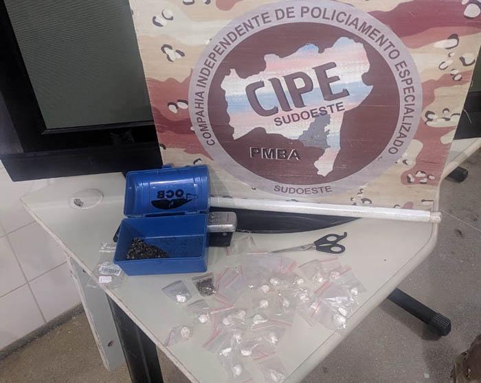 Droga é apreendida dentro de residência em Guanambi durante ação da Cipe Sudoeste