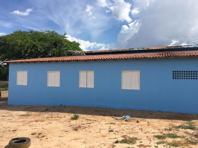 Prefeita de Malhada de Pedras realiza melhorias no prédio escolar de Empueira
