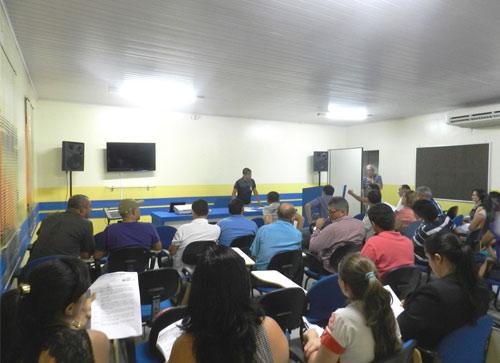 Comerciantes de Brumado participam de reunião com o Sindilojas