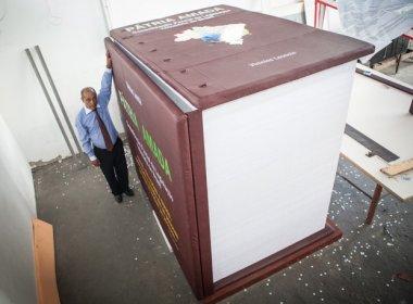 Advogado lança livro de 7,5 toneladas com toda legislação tributária brasileira