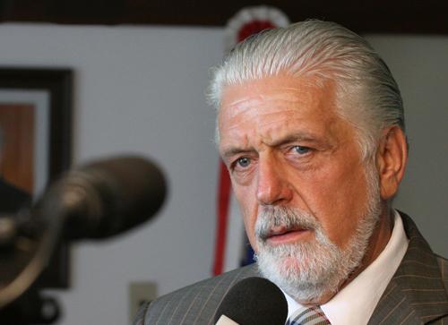 """Wagner: """"Posso garantir ao povo de Conquista e região que a gente vai ter um novo aeroporto"""""""