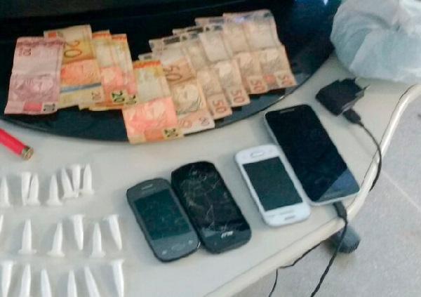 Duas pessoas são detidas por tráfico de drogas em Guanambi