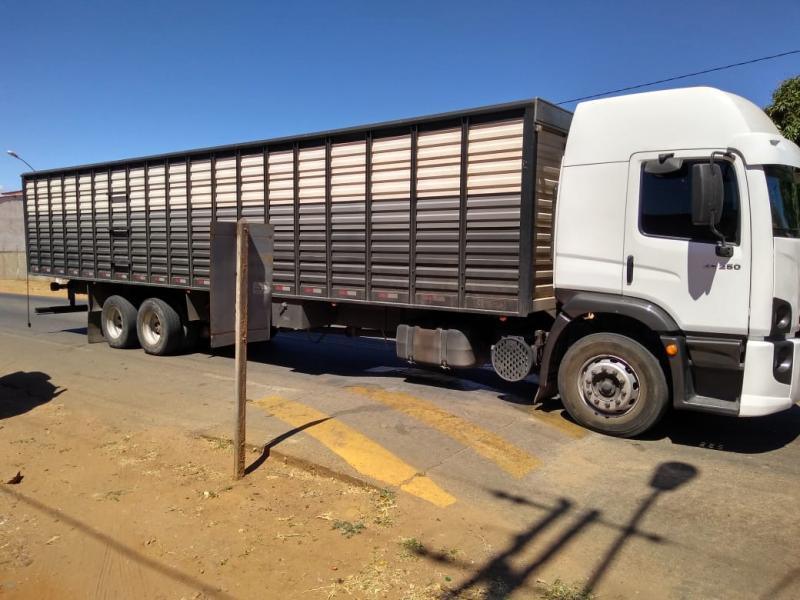Bandidos roubam caminhão boiadeiro em Livramento e motorista só é liberado em Bom Jesus da Lapa