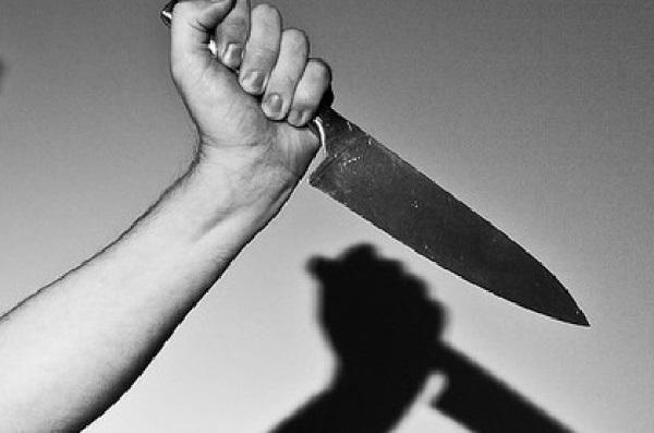 Mulher ataca taxista de Livramento de Nossa Senhora com uma faca durante viagem