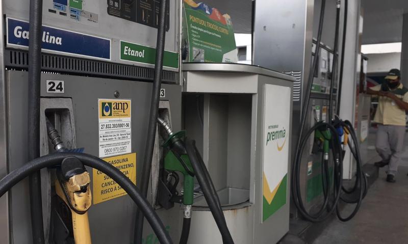 Gasolina terá aumento de 7,6% a partir desta terça (19)