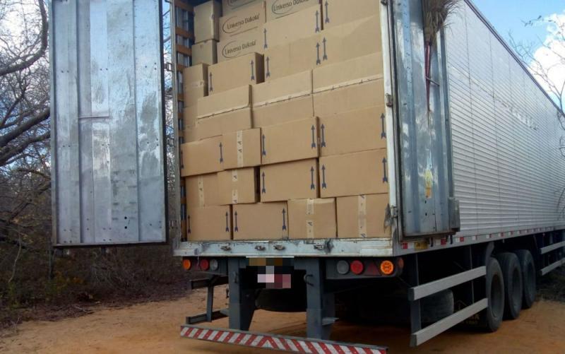 Carinhanha: PM recupera carga de calçados roubados em Goiás avaliada em R$ 1 milhão
