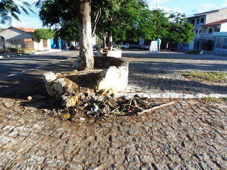 Praça da Cebola um cenário de abandono