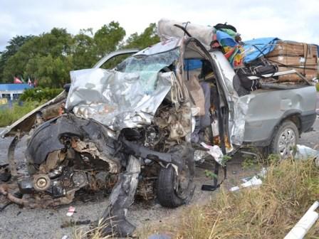 Jaguarari: Veículos batem de frente e três pessoas morrem na BR- 407