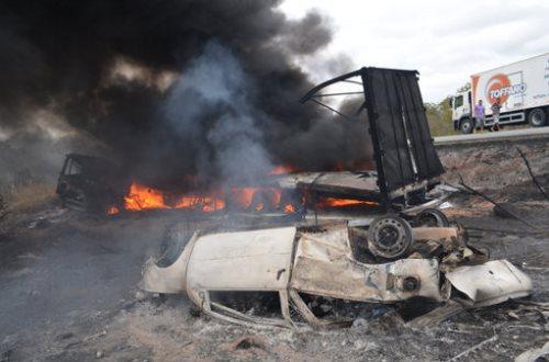Poções: Acidente na BR-116 duas pessoas morrem carbonizadas