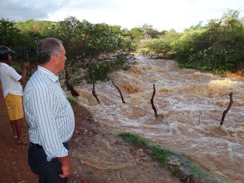 Prefeito Aguiberto visita Barragem e já formata planejamento de emergência