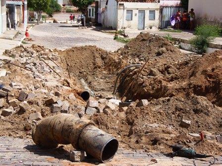 Embasa realiza operação para normalizar abastecimento de água no Bairro São Jorge