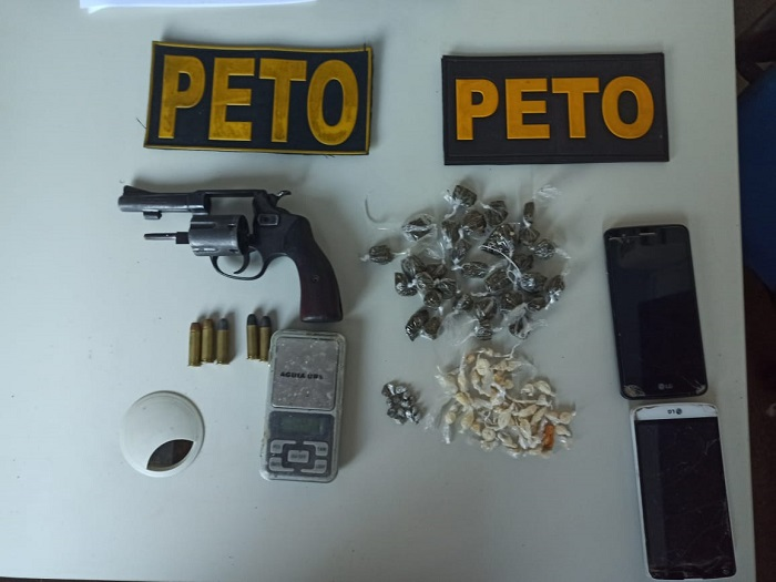 Policiais da 61ª CIPM realiza prisão por tráfico de drogas e porte de arma de fogo