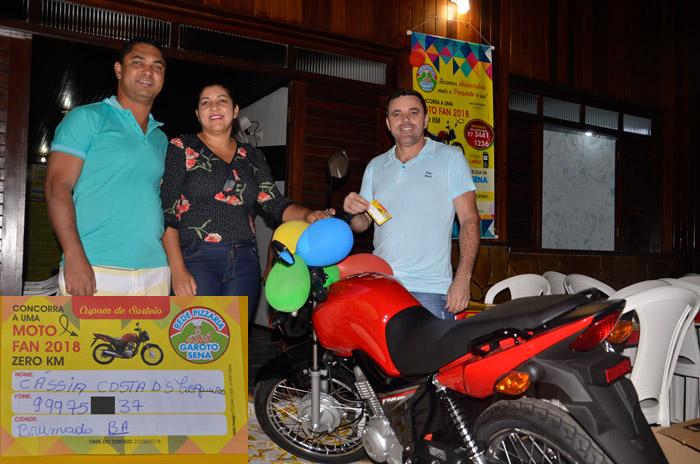 Brumadense ganha uma moto 0KM em sorteio da Pizzaria Garoto Sena
