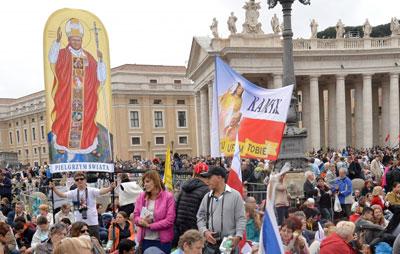 Papa proclama santos João Paulo II e João XXIII