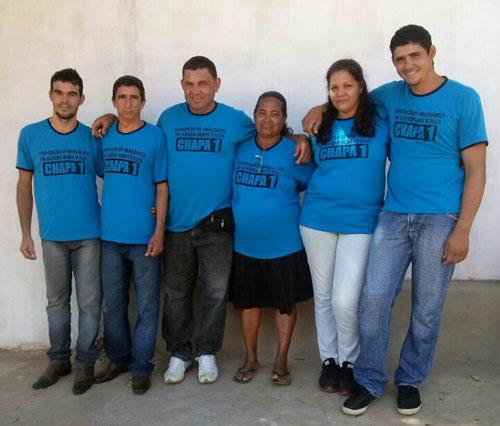 Chapa 01 convida moradores do Bairro Olhos D'água para votação