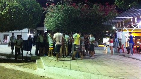 Estudantes tentam armar confusão em frente de escola em Livramento