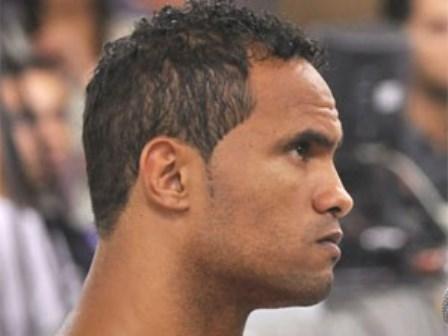 Advogado diz que o goleiro Bruno pode jogar mesmo preso em regime fechado