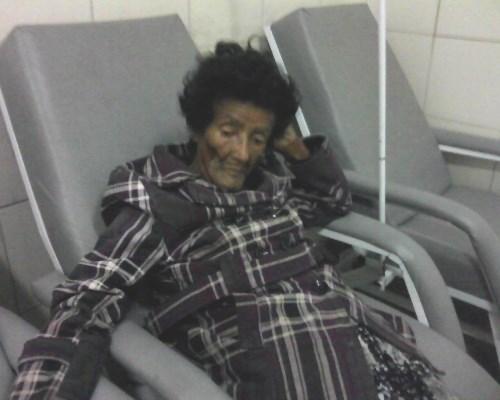 Após cinco dias desaparecida, Valdira é encontrada muito debilitada caída no chão em sua residência