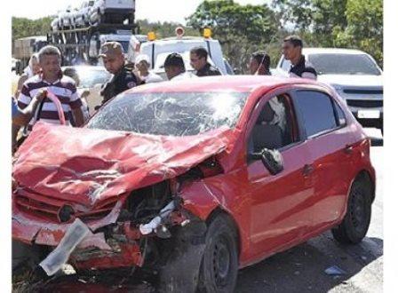 Quatro morrem e dois ficam feridos em acidente na BR-020