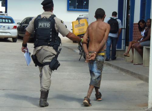 Assaltante é preso após roubar loja no centro da cidade