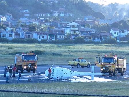 Ilhéus : Helicóptero cai no Aeroporto no momento em que realizava testes de pouso e decolagem
