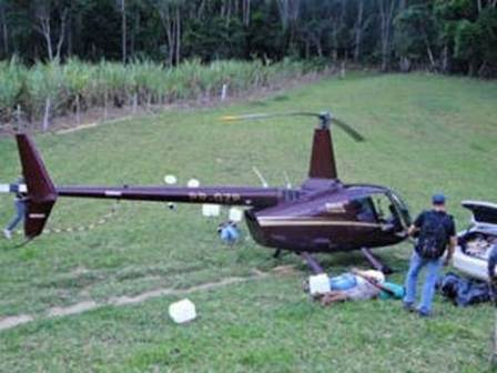 Advogado de piloto de helicóptero com cocaína diz que deputado quer 'empurrar o pepino'