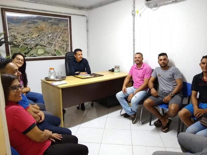 Guajeru: Prefeito Gil Rocha reúne com os Grupos de Comemorações do São Pedro