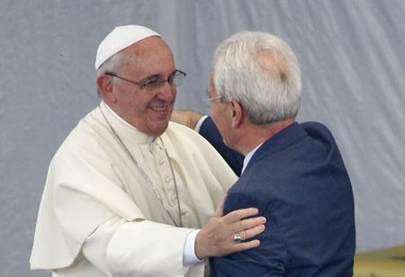 Papa pede perdão por perseguições dos católicos aos evangélicos