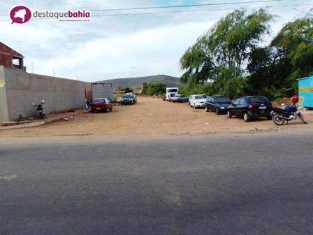 Via de acesso deixa Comerciantes da Avenida Coronel Santos na bronca