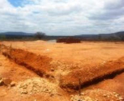 Prefeitura e Ministério da Saúde iniciam construção do PSF no Bairro Malhada Branca.