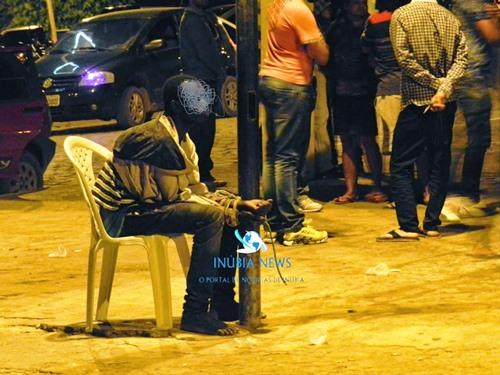 PIATÃ: Menor infrator é apreendido por populares e amarrado a um poste