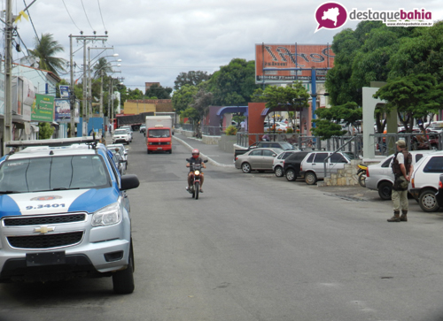 Polícia faz abordagem súbita no centro da cidade