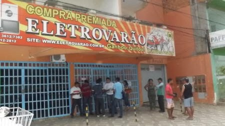 BARREIRAS: Empresa de consórcio de moto fecha e clientes cobram entrega de produtos
