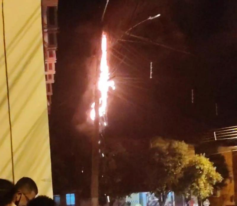 Brumado: Fios de Internet provocam Curto-circuito e assustam moradores do bairro São Félix
