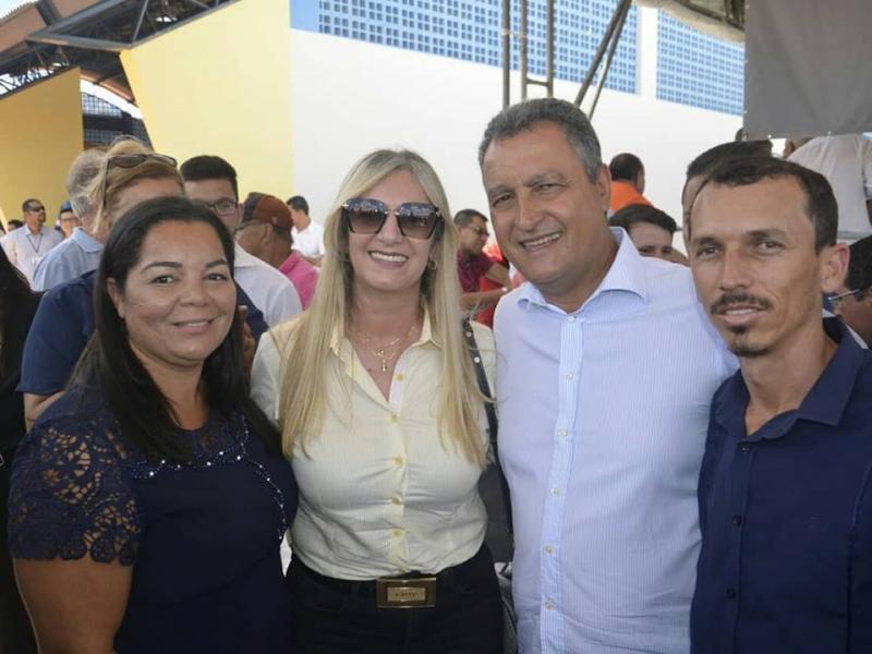 Prefeita de Malhada de Pedras recepciona Governador e participa de inauguração em Rio do Antônio