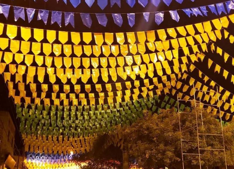 Aracatu começa a receber decoração São Pedro 2019; veja o recado do Edgar Mão Branca