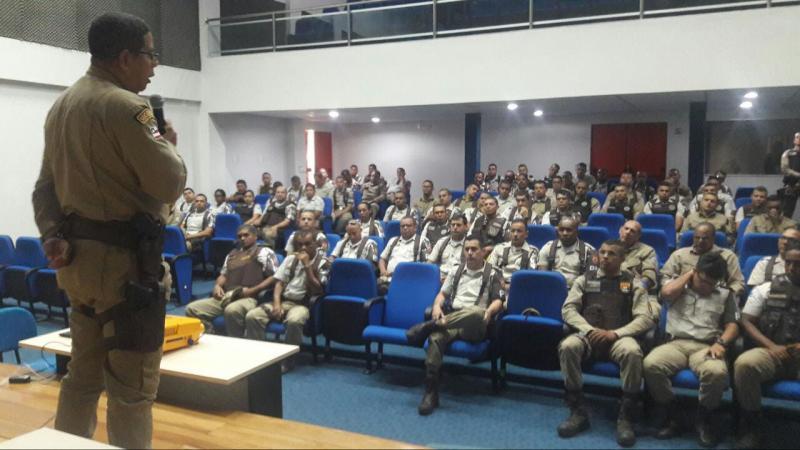 Polícia Militar de Brumado realiza parada para palestras e capacitação dos policiais