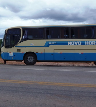 Policial atira em bandido dentro de ônibus e consegue evitar assalto