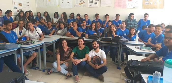 CRAS de Aracatu realiza palestra de conscientização com alunos sobre o Setembro Amarelo
